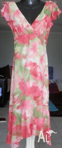 Floral Dress (Size 8 - 10)
