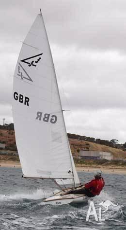 Flying Fifteen sail no 2905