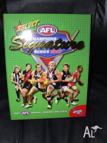 FOR CHILDRENS - AFL NEW ALBUMS WITH FULL BASE SET OF