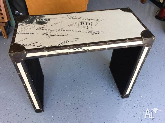 French style side table