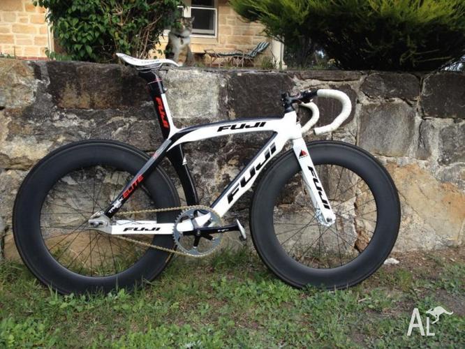 Fuji 'Track Elite' Track Bike + Complete Accessories Package