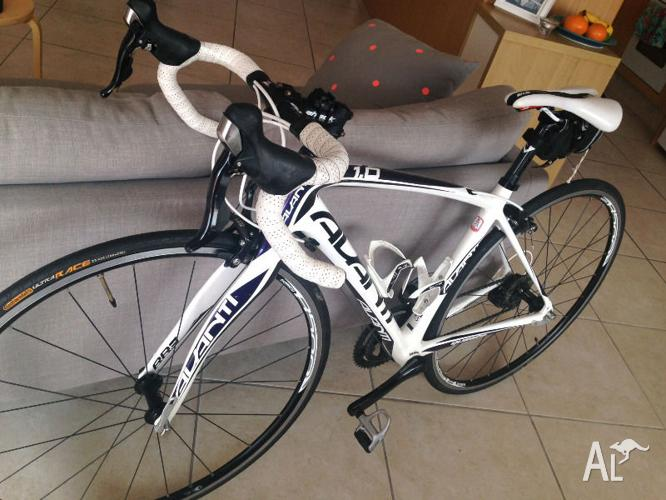 Full Carbon, Womens Specific Road Bike