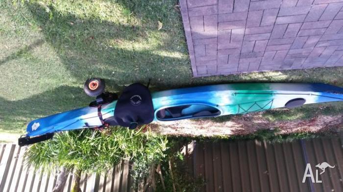 Gecko Sea Kayak + paddle + Spraydeck