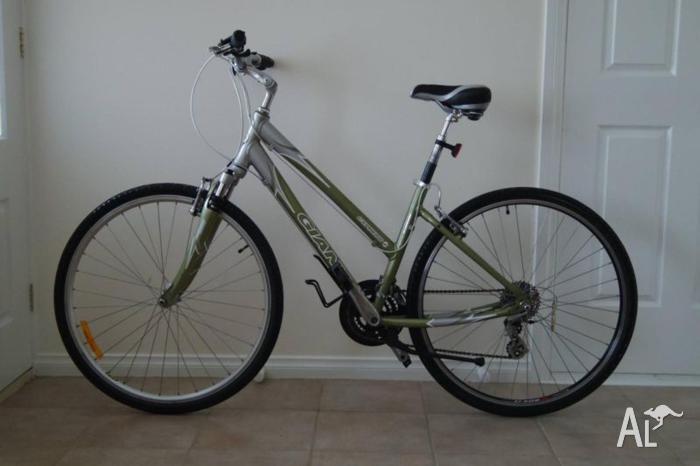Giant Cypress Ladies Bike 17