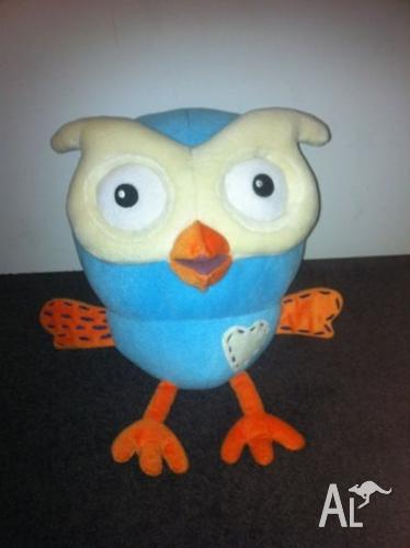 Giggle And Hoot Plush Toy Nursery Decoration Or Toy For Sale In