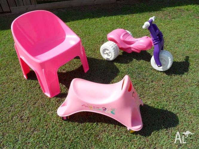 GIRLS RIDE ON TRIKE + CHAIR + RIDE ON ALL PINK