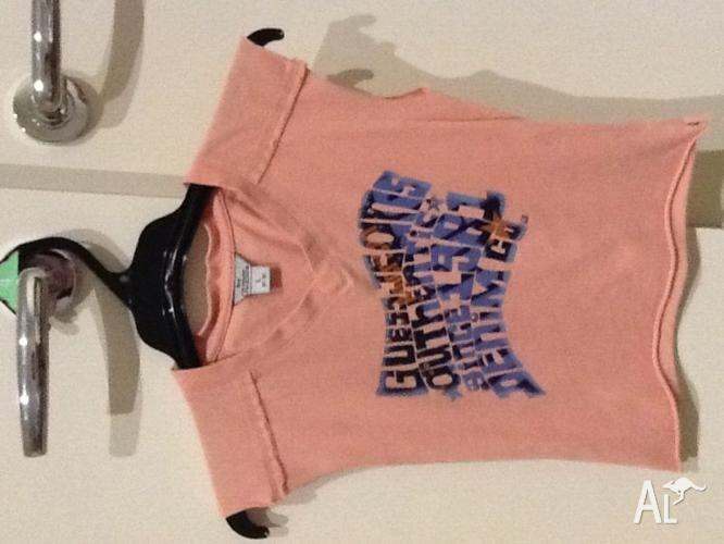 Girls size 5-6 Guess Top