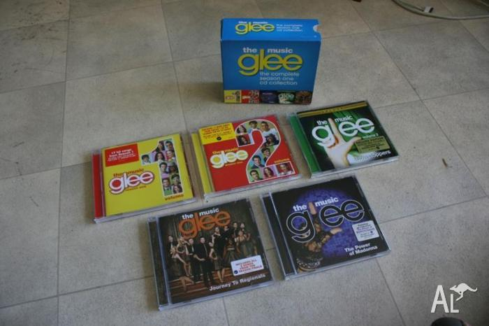 glee the music the complete season one cd collection box set for sale in baskerville. Black Bedroom Furniture Sets. Home Design Ideas