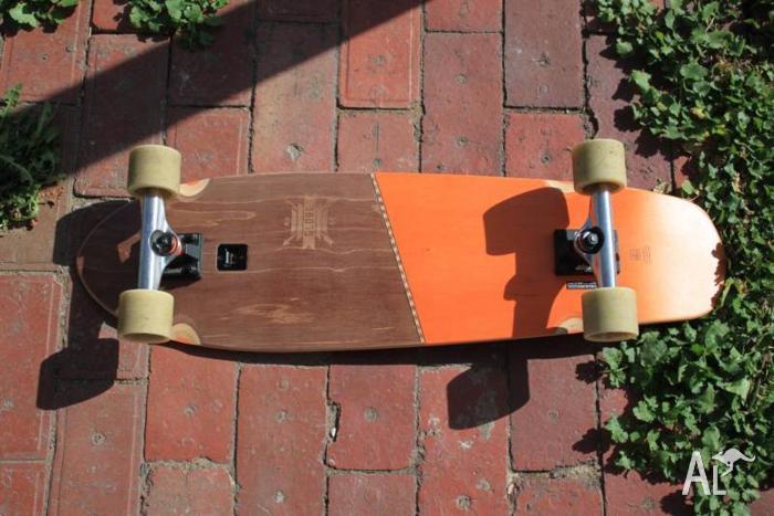 Globe BLAZER skateboard Brown/Orange -almost new