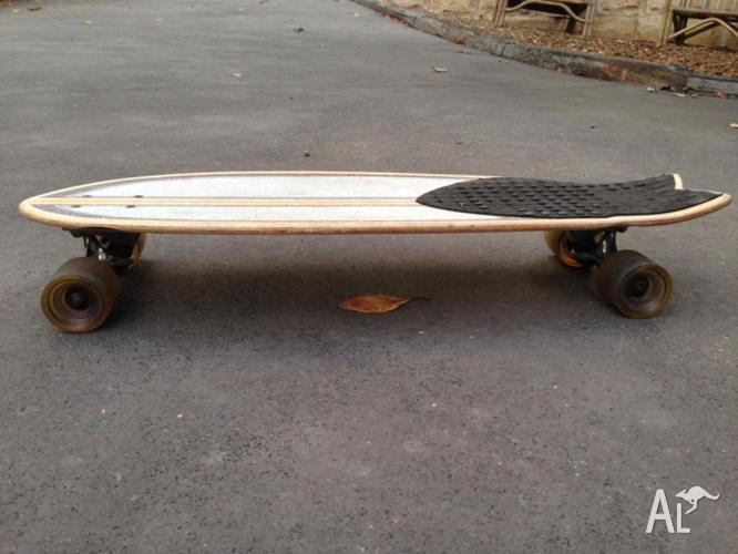 Globe dart cruiser skateboard