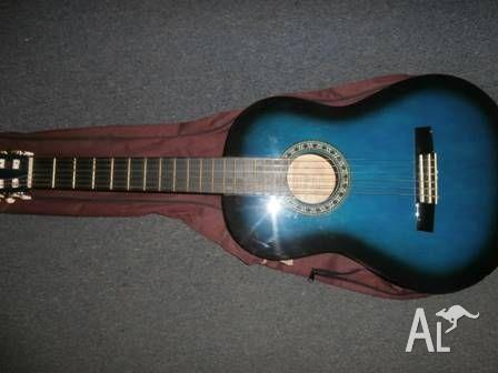 GUITAR FOR SALE IN GOOD CONDITION