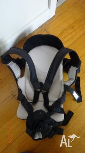 14c05b272dc hardly used-Combi 4-way Magical Compact Ninna Nanna baby carrier for ...