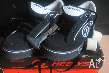 HEELYS SKATE SHOES BRAND NEW IN BOX