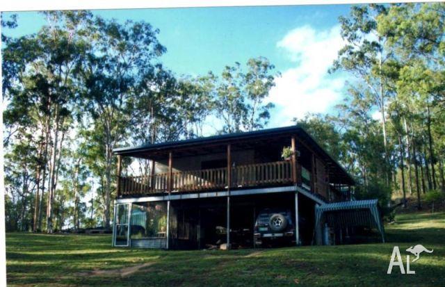 Highset home on 25 acres in wonbah for sale in brisbane for Highset house plans