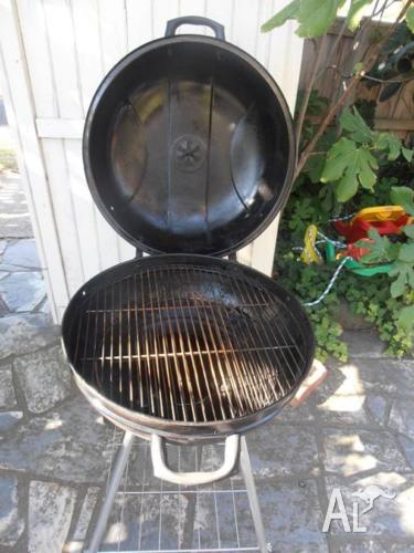 HINGED CLAM STYLE KETTLE BARBEQUE
