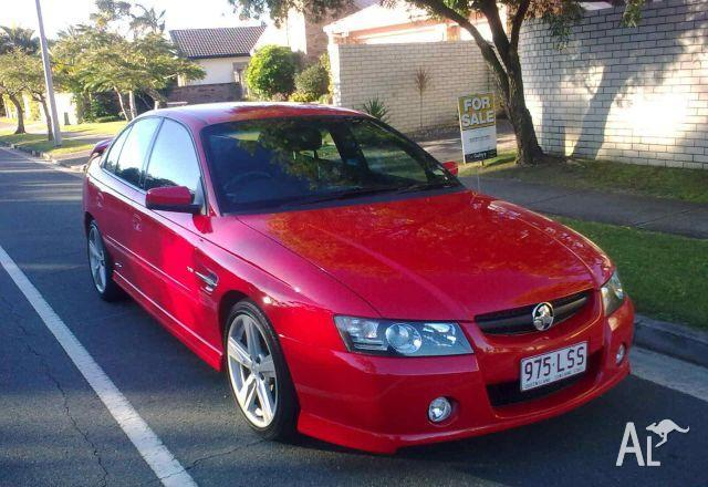 HOLDEN COMMODORE VZ   2004