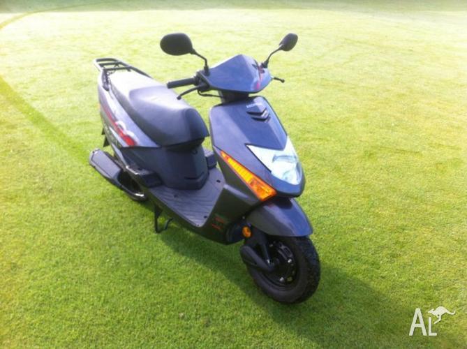 Honda 100cc Scooter!