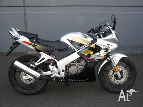HONDA CBR150R 150CC  2009