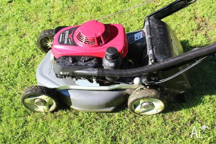 honda lawn mower hru196 for sale in dingley village victoria classified. Black Bedroom Furniture Sets. Home Design Ideas