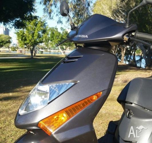 Honda Lead 100cc Used Scooter