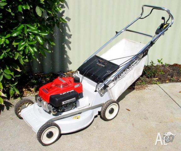 honda mower self propelled hru214 as new for sale in inglewood victoria classified. Black Bedroom Furniture Sets. Home Design Ideas