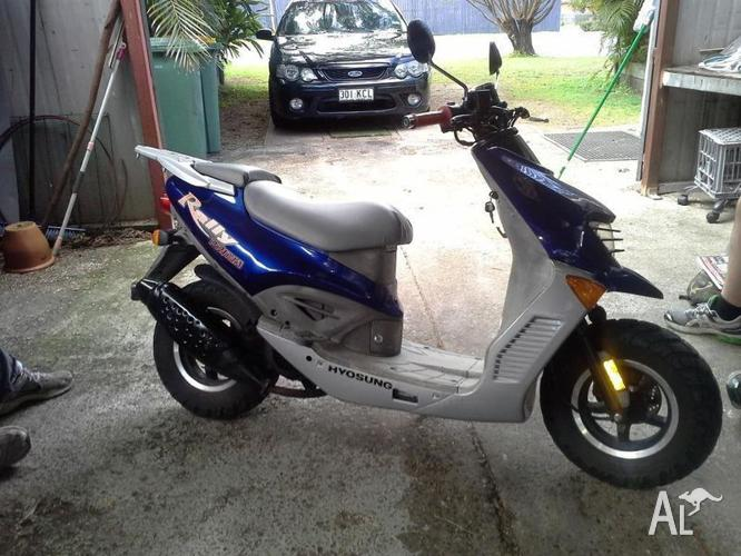 Hyosung Scooter  for Sale in DAISY HILL, Queensland
