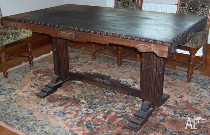 Jacobean Dining Table 6 Seater