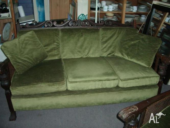 Jarvi 1930's 3 seater and 2 single armchairs
