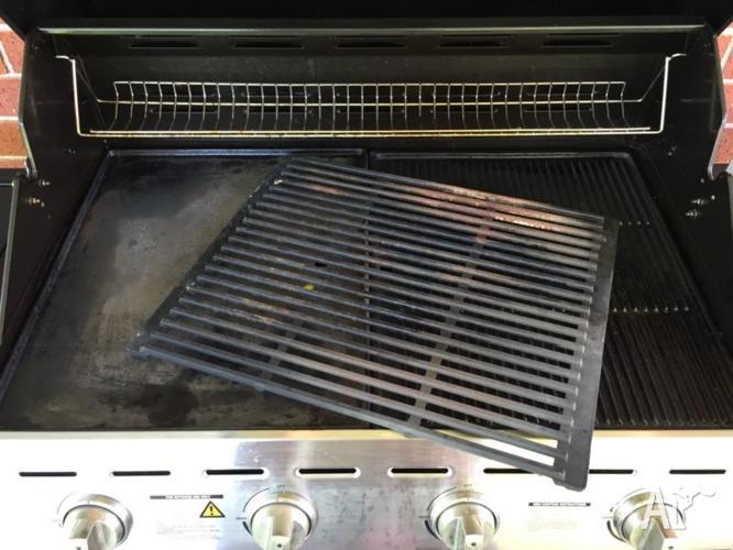 Jumbuck Voyager Barbecue 4 burner +side burner with