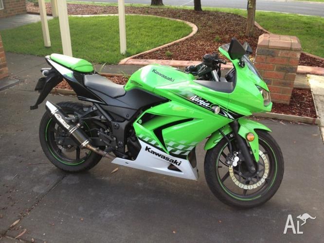 Kawasaki ninja 250r special edition for Sale in CRIB POINT, Victoria