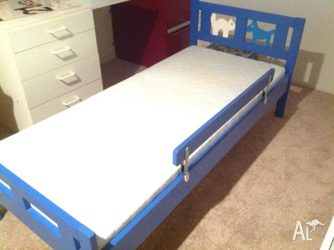 Kids 3/4 Bed with Innerspring Mattress & Adjustable