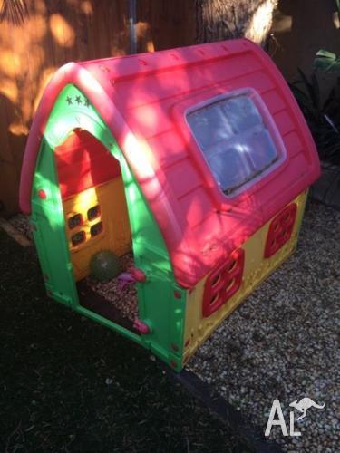 Kids cubby house