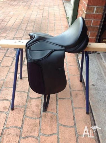Gfs Sale Ad >> Kincade dressage saddle for Sale in SALAMANDER BAY, New South Wales Classified | AustraliaListed.com