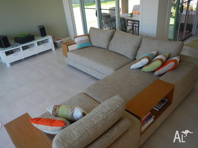 King Furniture Jasper Only 10 Month Old For Sale In Bunya