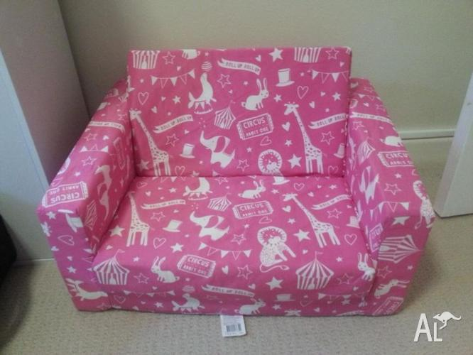 Kmart Baby couch/ sofa bed for Sale in CASTLE COVE, New South