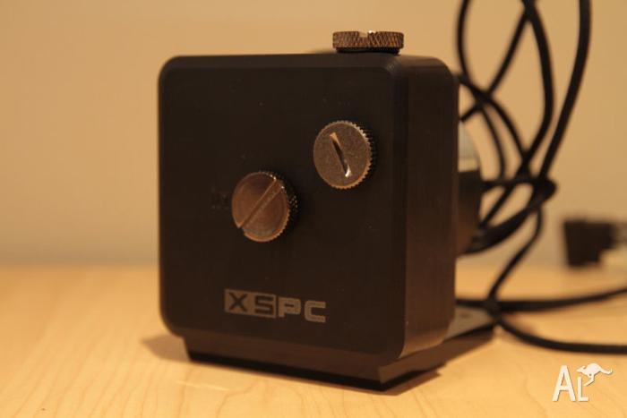 Koolance PMP-450 Vario Pump with XSPC D5 Pump Top