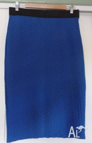Ladies Black and Blue Stretch Skirt - Size 14