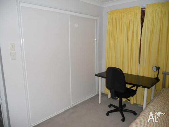 Large room for rent $120 pw all inclusive, Calamvale 1