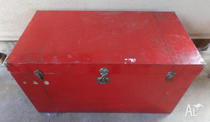 Large Vintage Retro Red Shipping Trunk Box Metal & Wood