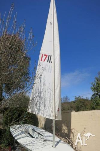 Laser Sailing Boat - 171120