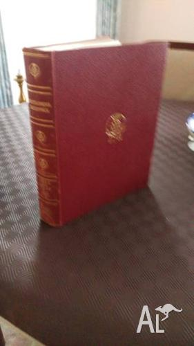 Leather Bound Encyclopaedia Brtainnica - 24 volumes;