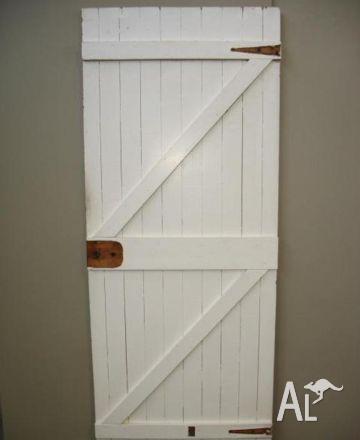 Ledge Brace External Vintage Doors