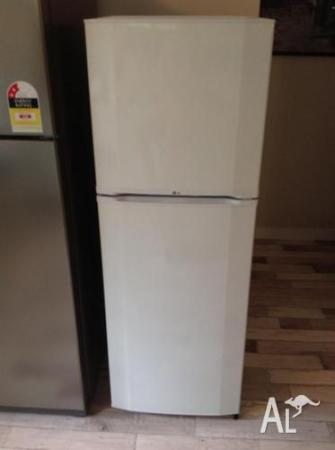 LG 234l Fridge Freezer
