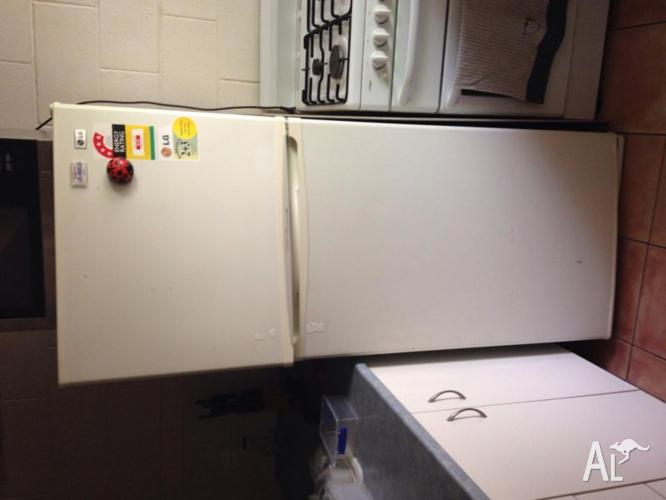 LG fridge/freezer 430lt