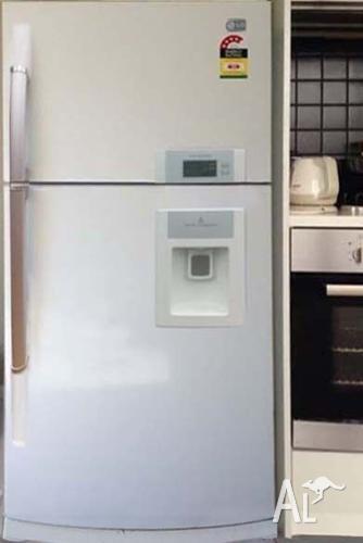 LG Water Dispenser Glass shelving 560L