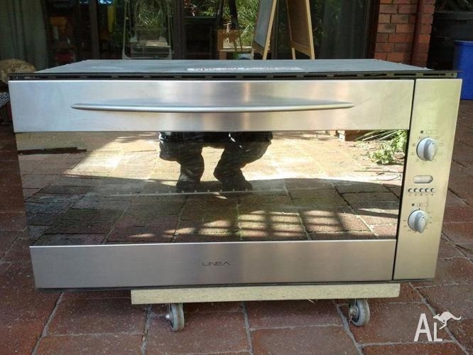 Linea 90cm Multifunction Electric Oven Stainless Steel