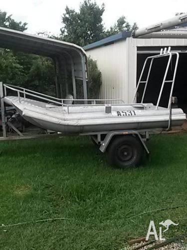 Little Rock 10ft Dingy Diveboat.