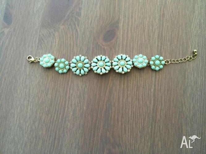 Lovisa Women Necklace and Bracelet