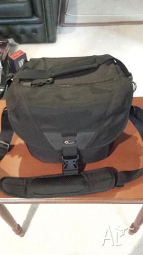 Lowepro Stealth Reporter D200 AW Camera Shoulder Bag
