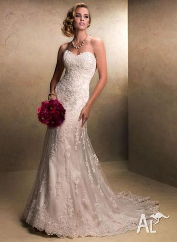 Maggie Sottero Wedding Dress - Emma. Brand New. Fits